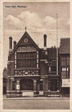 1940s POSTCARD~TOWN HALL, WANTAGE MARKET PLACE (now HSBC BANK) BERKS/OXFORDSHIRE | eBay
