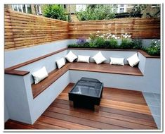 25 Super Cool Ideas Small Backyard and Garden Designs You can make a big statement with something small. These 5 super cool, small backyard and garden design ideas make the perfect examples. Terrasse Design, Pergola, Patio Awnings, Back Garden Design, Small Backyard Patio, Patio Decks, Small Garden Decking Ideas, Deck Benches, Backyard Patio Designs