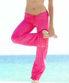Love the PINK BootyFits.com by Yanina Sportswear - Sexy fitness wear, womens exercise clothing, womens Activewear, workout wear, athletic wear, Brazilian fitnesswear. Etc - Bia Brazil Capri SL1013