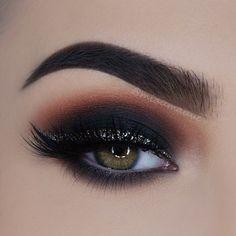 ✖️ Glitter Smokey Eye ✖️ *Click Pic for Makeup Details* (Paulina aka: @miaumauve) ♡♥♡♥♡♥