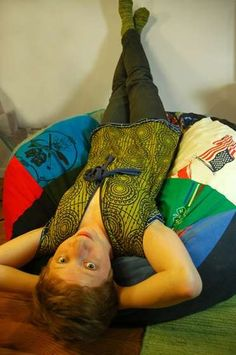 How to make a GIANT bean bag out of T-shirts!