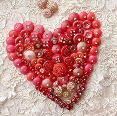 Corazón realizado con botones