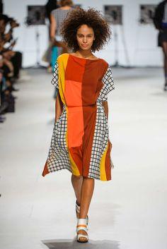 Issey Miyake Spring 2015 RTW - Paris Fashion Week
