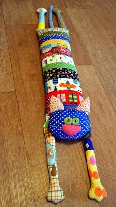 Patchwork Cojines Ideas 18 Ideas For 2019 Sewing Toys, Sewing Crafts, Sewing Projects, Fabric Toys, Fabric Crafts, Quilt Patterns, Sewing Patterns, Patchwork Patterns, Patchwork Bags