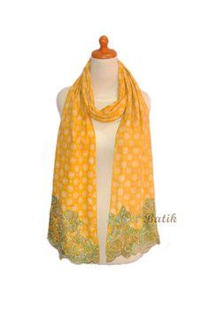 A beautiful lace shawl by Sweet Batik  #Batik #Indonesia #Handmade #Lace #Scarf #Shawl