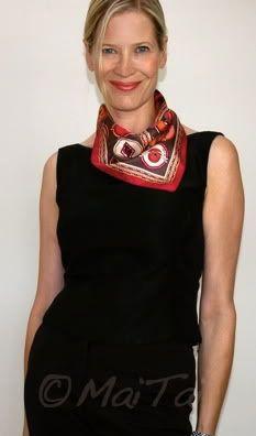 Hermès 'Belles du Mexique' Gavroche in a cowboy knot