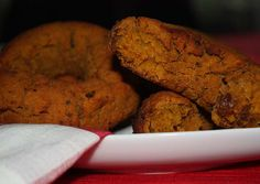 http://www.foodulution.com/wp-content/uploads/2014/12/Kürbis-Rosinen-Bagels1.jpg - PALEO, VEGAN & LOW CARB: Kürbis-Rosinen-Bagels