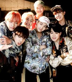 ❤BTS Family - Never give up on the lovely things that make you happy. Teamwork makes the dream work!