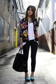 Bomber: Equipment – Girissima, jeans: J brand, shoes & blouse: Zara, bracelets: Alex and Ani, necklace: Bgo & Me