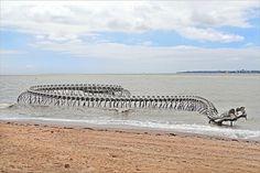 Le Serpent d'océan (Estuaire de la Loire) - Huang Yong Ping Saint Brevin les Pins, pointe de Mindin