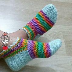 Captivating Crochet a Bodycon Dress Top Ideas. Dazzling Crochet a Bodycon Dress Top Ideas. Crochet Mittens, Crochet Gloves, Knitted Slippers, Knitting Socks, Crochet Yarn, Crochet Crafts, Crochet Projects, Woolen Craft, Confection Au Crochet