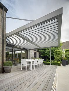 Connect an Umbris patio roof to your building without any vertical supporting posts needed. These can extend up to 2m from a building unsupported or up to 3m with tie rods.