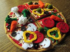 Pretend play food - vegetarian pizza by DusiCrafts / richer