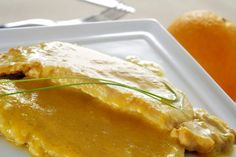 Scaloppine all'arancia: la ricetta del secondo piatto cremoso e profumato Pork Recipes, My Recipes, Italian Recipes, Cooking Recipes, Favorite Recipes, Recipies, Pork Bacon, Orange Recipes, White Meat