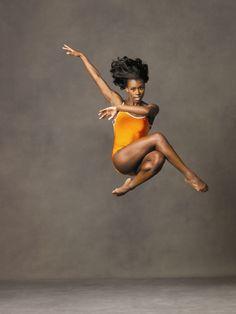 Dancer Rachel McLaren (Photo by: Andrew Eccles, Courtesy Alvin Ailey American Dance Theatre) Alvin Ailey, Black Dancers, Ballet Dancers, Royal Ballet, Body Painting, Dance Photography Poses, Jazz, Black Ballerina, Happy Dance