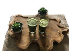 Kiwi smoothie met spinazie en groene thee. Voor dit smoothierecept en meer lekkere smoothies, kijk eens op mijn foodblog Organic Happiness.