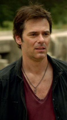 Billy Burke - Revolution