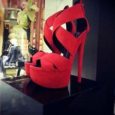 <3 RED Heels