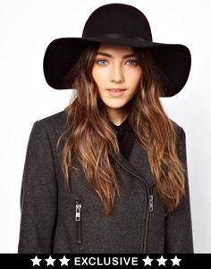 perfect black floppy hat