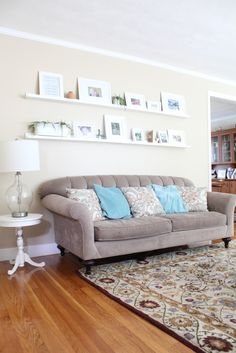 Gallery wall shelves/ledges: change the look of your decor anytime. Looking for unique and beautiful art photos to create or update your collection? Visit bx3foto.etsy.com