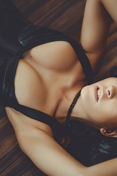 Bony cleavage nude tits