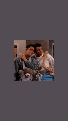 Friends Funny Moments, Friends Cast, Friends Episodes, Friends Tv Show, Best Friends, Best Sitcoms Ever, Friends Wallpaper, Character Wallpaper, Polaroid
