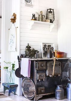 Stove in the kitchen of an old cottage. Old Cottage, Cottage Style, Unfitted Kitchen, Scandinavian Cottage, Cottage Interiors, Beautiful Kitchens, Country Kitchen, Room Inspiration, Home Kitchens
