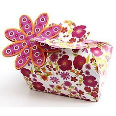 FREE printable gift box:: Une boite cadeau à imprimer - free