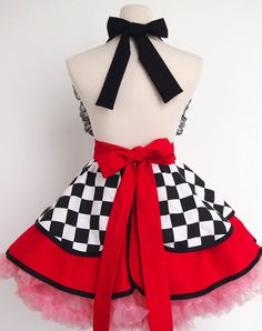 Alice in Wonderland Queen Of Hearts Classic Flirty Lace Household Apron Cosplay Apron Dress, Kimono Dress, Queen Of Hearts Costume, Custom Aprons, Running Costumes, Apron Designs, Sewing Aprons, Half Apron, Aprons Vintage