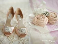 wedding shoes and garter, fort myers photos. Luminaire Foto