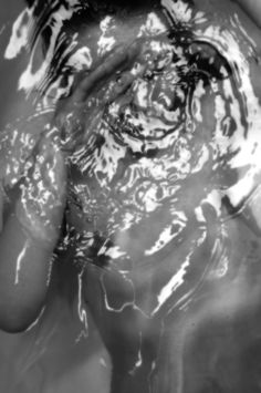 #bath #simple #abstract #water #waves #b&w #body