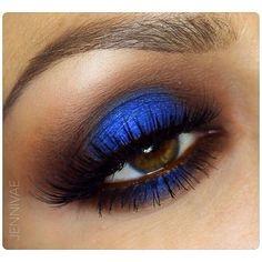 Gorgeous blue eye make-up