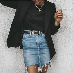 [New] The 10 Best Outfit Ideas Today (with Pictures) - Check link in bio Vogue Fashion, Look Fashion, Star Fashion, Fashion Models, Girl Fashion, Winter Fashion, Womens Fashion, Fashion Designers, Adrette Outfits