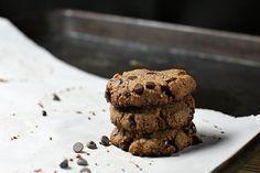 Flourless Salted Caramel Chocolate Chip Cookies - #paleo #chocolate #caramel #grain-free #dairy-free #sugar-free ---- OH, DELISH!