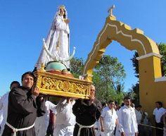 Procesión en Izamal de Nuestra Señora de la Concepción