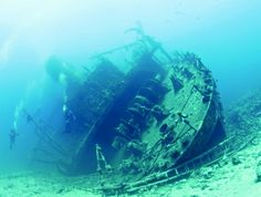 Giannis D. is simply one of the most famous wrecks of the Red Sea. Shipwrecked 27 years ago, it has become one of the most visited in the world. The wreck, which happened near a coral reef, has now become a beautiful diving spot.