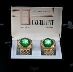 EXCELLENT Vintage Gents Gold Mesh Wraparound Cufflinks Green Stones Original Box