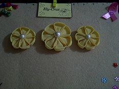 Flores de Tela... By Mi..Lo aprendi en Pinterest..!!!