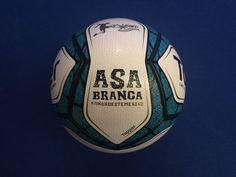 Topper apresenta a Asa Branca, bola da Copa do Nordeste 2017 a