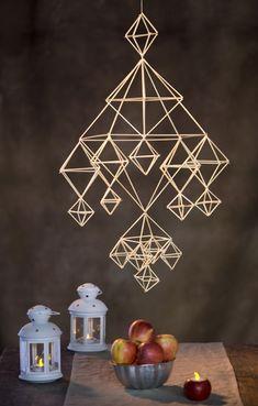 Olki on yllättävän monikäyttöinen materiaali – katso 7 ihanaa ohjetta! Felt Christmas Decorations, Beaded Christmas Ornaments, Handmade Ornaments, Handmade Decorations, Paper Decorations, Christmas Crafts, Glitter Ornaments, Homemade Christmas, Diy Weihnachten