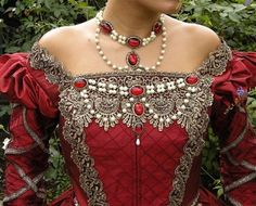 Elizabethan Tudor Medieval Jewelry Set Circlet by RomanticThreads, Life Style Vintage Dresses, Vintage Outfits, Vintage Fashion, Fashion Fashion, Vintage Style, Historical Costume, Historical Clothing, Mode Renaissance, Medieval Jewelry