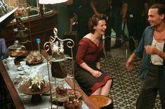 Juliette Binoche and Johnny Depp on the set ofChocolat(2000), directed by Lasse Hallström.