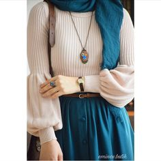 New fashion hijab style outfits Ideas Muslim Fashion, Modest Fashion, Skirt Fashion, Trendy Fashion, Fashion Dresses, Fashion Muslimah, Abaya Fashion, Hijab Style Dress, Casual Hijab Outfit