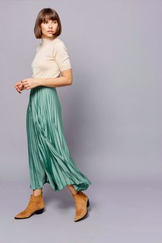 Pleated Midi Skirt, Womens Fashion Online, Winter Wardrobe, Mint Green, Must Haves, Harem Pants, Clothes For Women, Woman Fashion, Casual