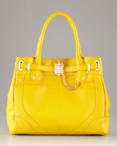 What a great pop of color. Would love this paired with a white button down, jeans and simple flats.