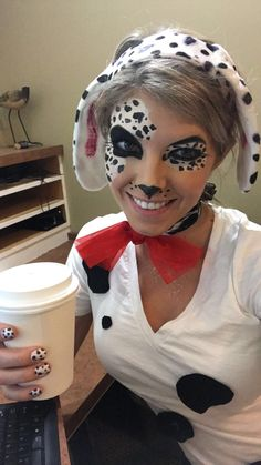 Looking for for inspiration for your Halloween make-up? Browse around this site for cute Halloween makeup looks. Disney Halloween Makeup, Unique Halloween Makeup, Theme Halloween, Halloween Makeup Looks, Pretty Halloween, Disney Makeup, Halloween Decorations, Dalmatian Halloween, Dog Halloween