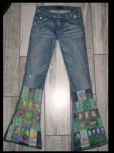 """A pair of """"Rock & Republic"""" jeans altered to flare with hand painted Day of the Dead design.  Size: Rock & Republic has sized them 27  Fit: flare  Measurements: Front rise: 8 in  Back rise: 13 in  Around Waistband: 32 in  Inseam: 33 in Care: Machine wash cold, gentle cycle/ tumble dry low  Item: dod303  To insure a proper fit, PLEASE double check and compare the listing size and your own size.  Please send me any questions you have concerning the size or appearance of an item. I will…"""