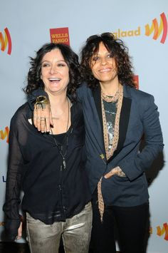Linda Perry was born on April 1965 in Springfield, Massachusetts, USA. She has been married to Sara Gilbert since March They have one child. Sara Gilbert, Non Blondes, Collage, Burlesque, Picture Photo, Blazer, Couples, Celebrities, Music