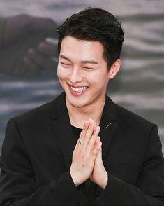 Asian Guys, Asian Men, Korean Celebrities, Korean Actors, Yg Kplus, Hug Me, Korean Men, Actor Model, Beautiful Smile