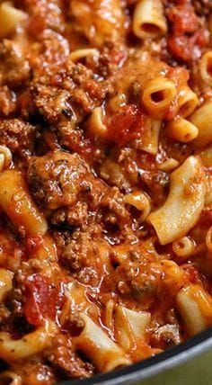 Our Cheesy Beef Goulash recipe is delicious, cheesy, and cheesy! Hamburger goulash is an easy to make dinner recipe the entire family will love. Easy Goulash Recipes, Easy Casserole Recipes, Easy Dinner Recipes, Meat Recipes, Cooker Recipes, Crockpot Recipes, Easy Meals, Vitamix Recipes, Vegetarian Food